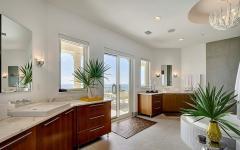 grande salle de bains de luxe