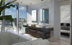 spacieuse salle de bain vue sur mer
