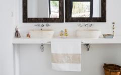 salle de bains minimaliste et rustique