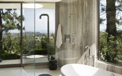 vue splendide depuis salle de bains de luxe
