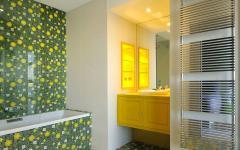 salle de bain baignoire déco pétillante