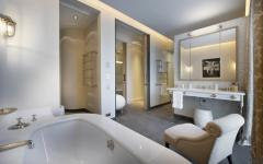 salle de bain contemporaine villa de vacacnes Saint Tropez