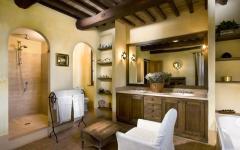 Belle et spacieuse salle de bain rustique