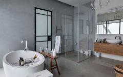 design déco grande salle de bains style industriel