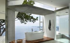 salle de bains design ultra luxe vue sur la mer