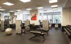 salle de fitness prestations luxe gratte-ciel résidentiel