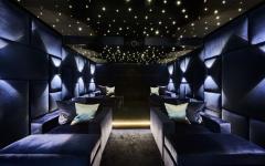 belle salle de cinéma privée maison secondaire de luxe mer