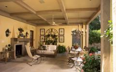 patio salon extérieur maison traditionnelle