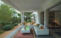 salon aménagé terrasse demeure secondaire mer