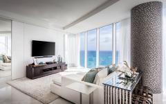 Salon tv avec vue sur l'océan