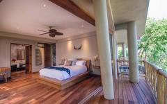 chambre suite parentale avec balcon et vue