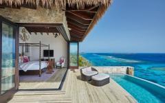 terrasse balcon filant piscine et vue sur mer