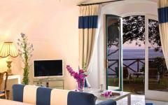 ambiance artistique vue sur la mer villa à louer