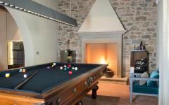 salle de jeux billard maison familiale rustique éclectique
