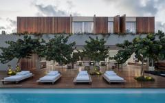 piscine extérieure luxe terrasse en bois