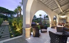 terrasse couverte villa de luxe St Tropez
