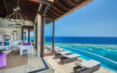 terrasse chaises longues luxe avec vue sur la mer