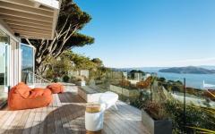 Outdoor de maison avec vue sur l'eau