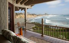 terrasse de la maison de vacances vue sur l'océan
