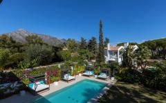 piscine extérieure chauffée villa location saisonnière marbella