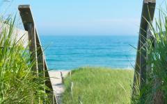 accès facile à la plage depuis la villa