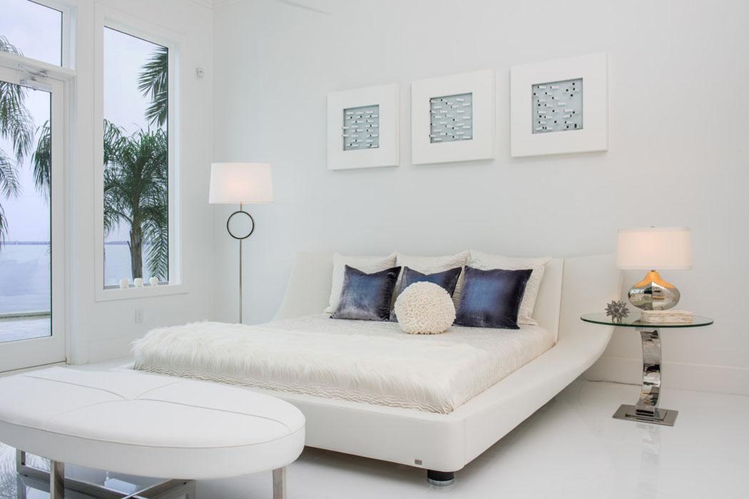 r sidence secondaire texane au design int rieur l gant en blanc vivons maison. Black Bedroom Furniture Sets. Home Design Ideas