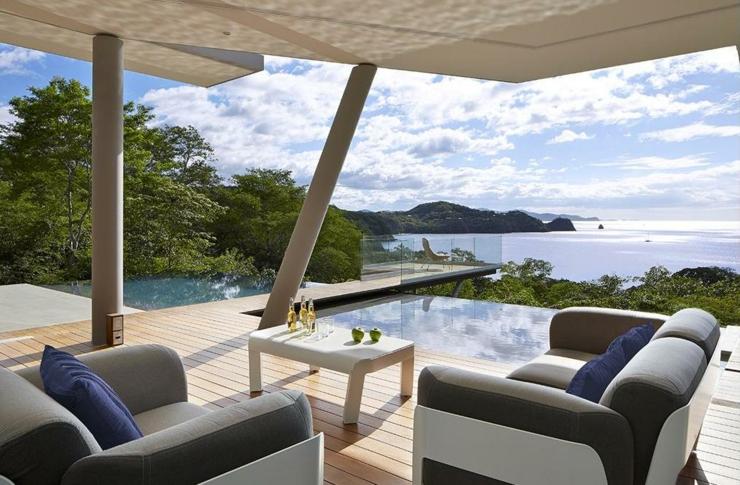 Villa contemporaine costa rica avec belle vue sur la mer vivons maison for Avancee terrasse couverte