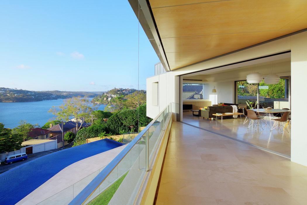 Magnifique maison avec vue construite près de la ville de Sydney ...