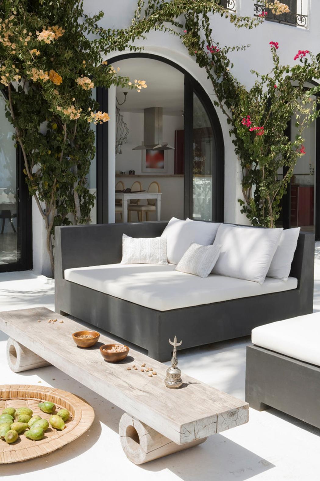 Splendide villa de luxe sur la c te sud espagnole vivons for Salon de jardin design de luxe