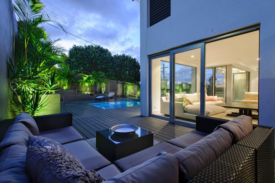 Terrasse design contemporain - Reconquetefrancaise.fr