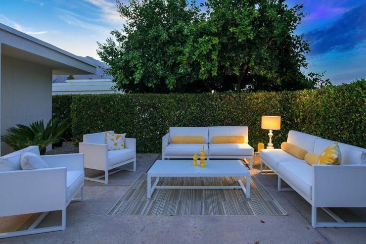 maison neuve palm springs en californie vivons maison. Black Bedroom Furniture Sets. Home Design Ideas
