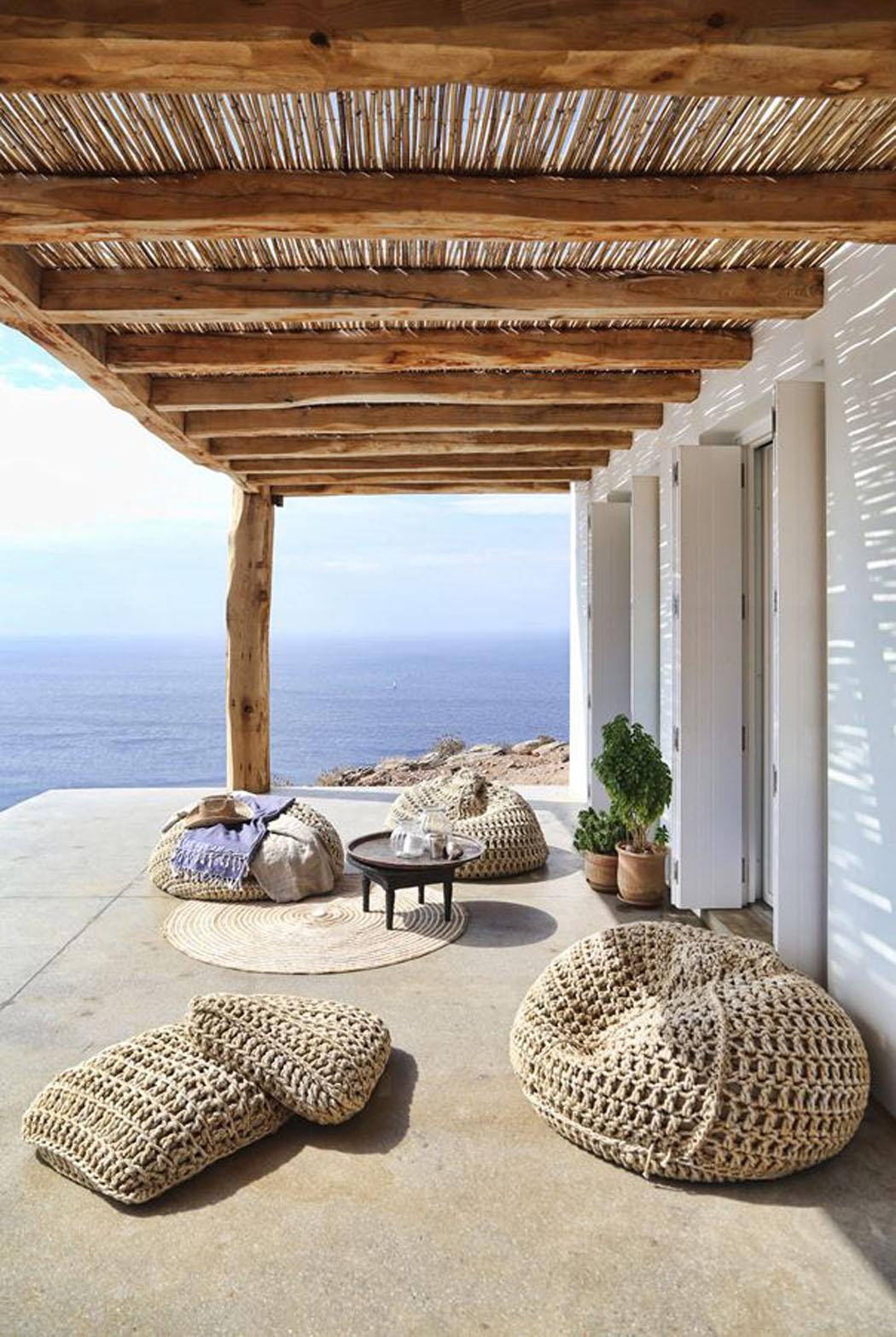 Villa de vacances en gr ce au design int rieur minimaliste rustique et l gant la fois - Villa de vacances vogue interiors ...