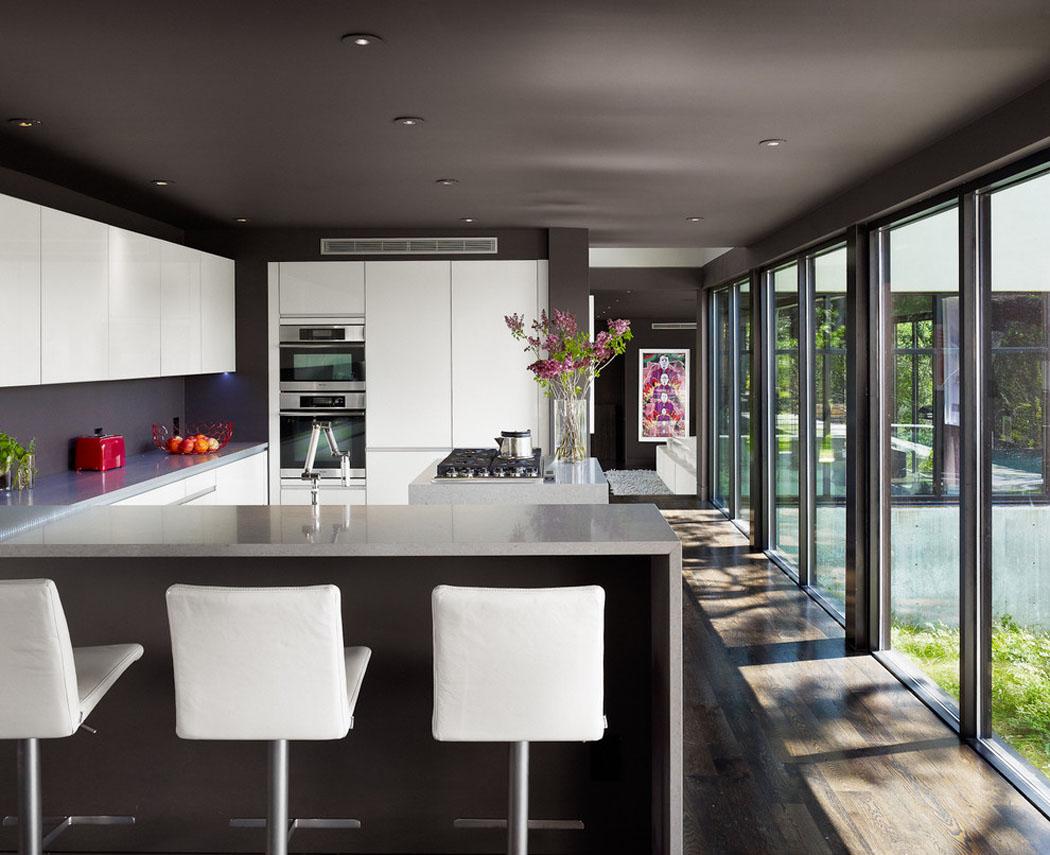 belle maison r nov e au design moderne et d co contrast e austin texas vivons maison. Black Bedroom Furniture Sets. Home Design Ideas