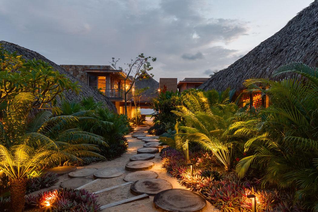 Belle maison secondaire au design exotique sur la c te - Residence de vacances gedney architecte ...