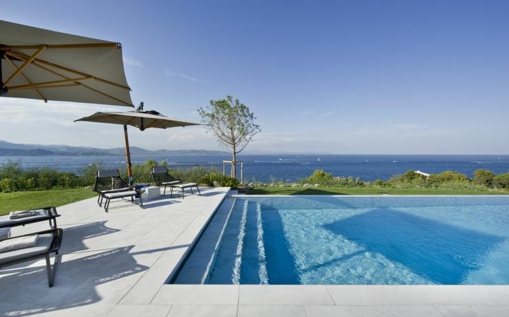Splendide villa de luxe saint tropez vivons maison for Piscine saint tropez