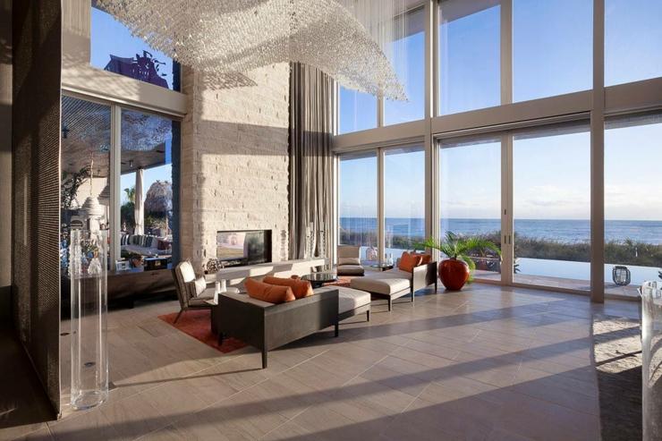 chic et classe dans lameublement et le design de cette villa de rve - Maison De Luxe Ultra Moderne
